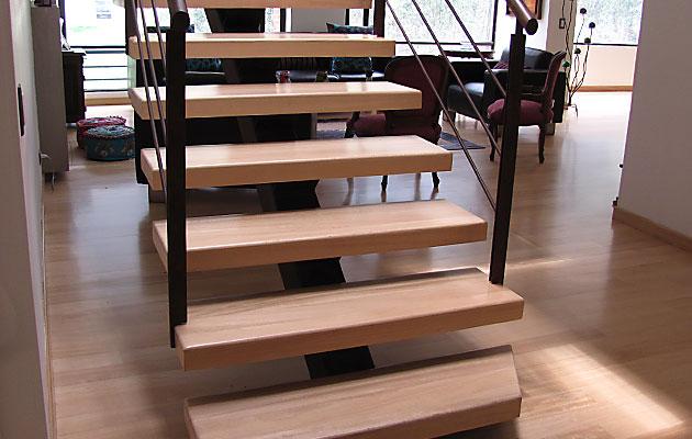 Escaleras pisos teka for Escaleras para 3 pisos