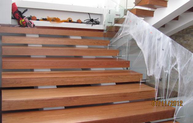 Escaleras pisos teka - Escalera de madera de pintor ...