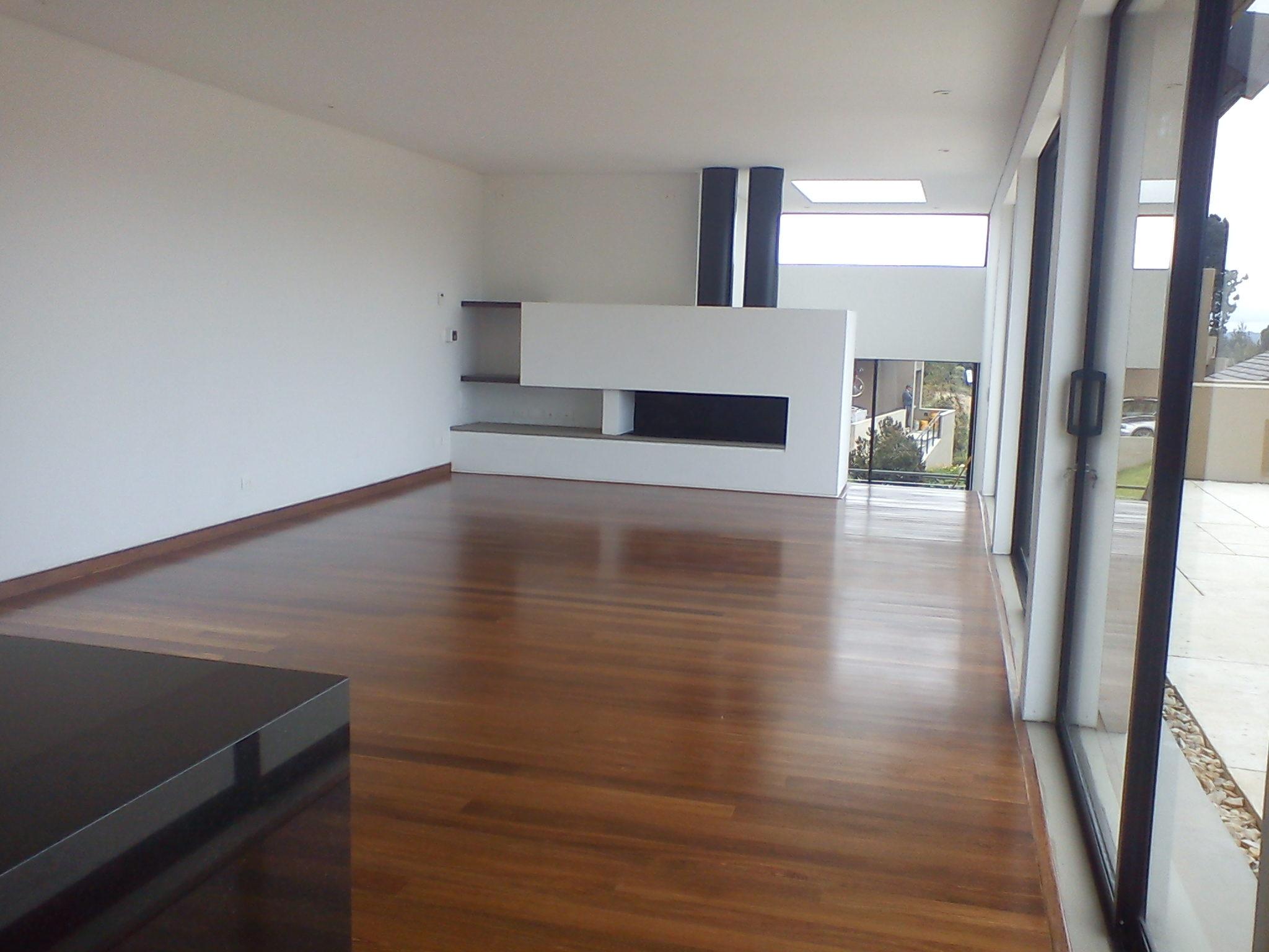 Piso macizo tradicional pisos teka - Rellenar juntas piso madera ...