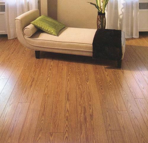 Pisos vinilo pvc pisos teka for Piso laminado de madera