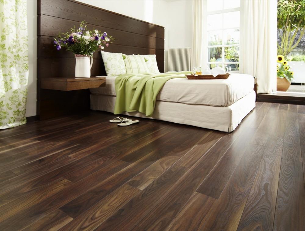 El minimalismo y los pisos de madera pisos teka for Pisos imitacion madera para terrazas